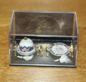 Dollshouse Miniature Reutter Porzellan Victorian Dinner Place Settings