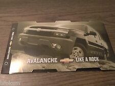 MINT CHEVROLET 2001 CHEVY AVALANCHE 12 PAGE SALES BROCHURE NEW