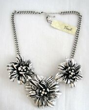 NEW FOSSIL BLOSSOMS SILVER TONE FLOWER NECKLACE WITH CRYSTAL ACCENT- JA4110040
