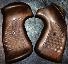 Smith & Wesson Pistol Grips 357,38/44, 45 Outdoorsman, Army, Target Dark Brown