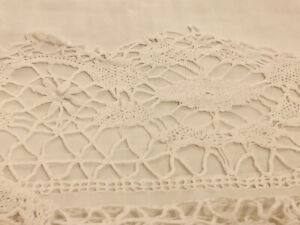 ANTIQUE VTG WHITE LARGE LINEN SHEET EMBROIDERED & CROCHET BORDER 85 X 116 INCHES
