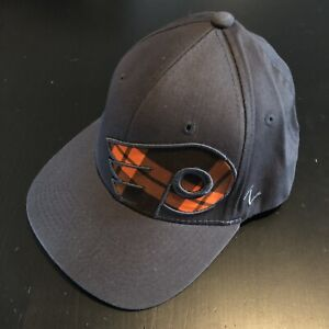 [NEW] Philadelphia FLYERS - Zephyr Embroidered Fitted Hat - Size L/XL -NHL-