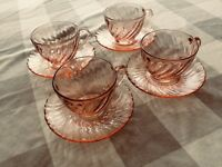 4 ARCOROC France ROSALINE Tea Coffee Cups & Saucers Pink Swirl Glass