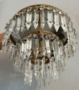 Ancien lustre plafonnier A pampilles en cristal flèche style Montgolfière