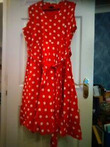 Looking Glam Minnie Mouse style fit and flare dress size 16 great condition