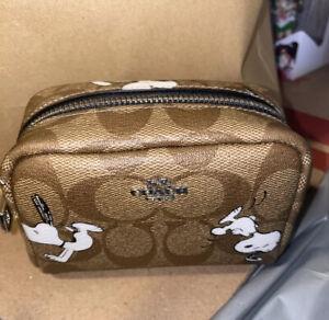 NWT Coach x Peanuts Mini boxy cosmetic case w/snoopy print Limited Edition C4595