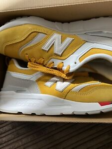 womens new balance trainers size 5.5