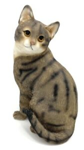 Sitting Tabby Cat Ornament Figurine Gift Boxed Cat Studies Collection