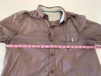COLUMBIA OMNI-SHADE Maroon Short Sleeve Button Front Shirt Size Medium G4