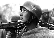 WW2 Photo WWII German Fallschirmjäger MG 42 Anzio World War Two Wehrmacht / 2429