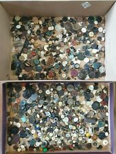 LARGE JOBLOT OF VINTAGE BUTTONS