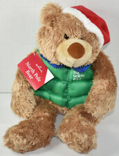 Hallmark THE NORTH POLE BEAR IN GREEN VEST JACKET Jingle Teddy STUFFED PLUSH New