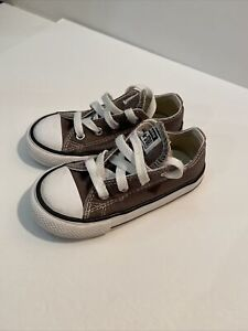 CONVERSE ALL STAR TODDLER LOW TOP SNEAKERS - SIZE 8