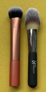 New IT Cosmetics No 8 Brush And New Real Techniques Expert Face Brush