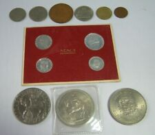 Coin Collectors Lot, 3 British Crowns, 4 x 1952 Vatican City Carded Coins, etc.