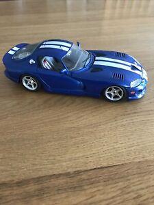Dodge Viper GTS Coupe Blue & White Stripe BURAGO 1:18 Scale
