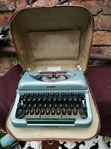 Vintage Imperial good companion 4 typewriter 1960s