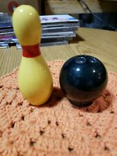 Vintage Napco Bowling Pin And Bowling Ball Salt & Pepper Shakers