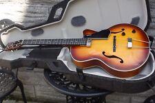 Godin 5th avenue jazz guitar inc tric case stunning guitar
