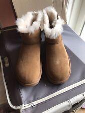 UGG Women's Mini Bailey Fluff Buckle  Boots