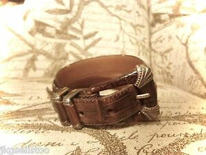 FOSSIL - BROWN CROC-GRAIN LEATHER SILVER BUCKLE BELT - LADIES S/32""
