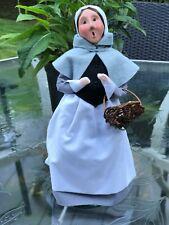 Byers Choice Thanksgiving & Harvest Carolers: 2002 Pilgrim Woman With Basket