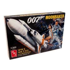 AMT 1208 1/200 Moonraker Shuttle With Boosters - James Bond Plastic Model Kit BR