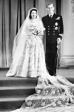 "QUEEN ELIZABETH II & PRINCE PHILIP WEDDING PHOTO FRIDGE MAGNET 5"" X 3.5"""