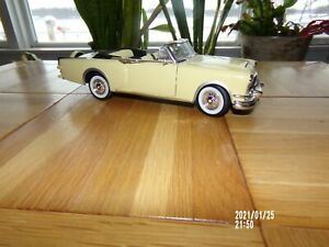 Road Signature 1953 PACKARD CARIBBEAN 1:18 Scale Diecast CONVERTIBLE No. 92798