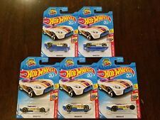 Hot Wheels 2018 Treasure Hunt Rrroadster White HW Holiday Racers (Lot of 5) *NEW