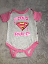 pink LOGOSHIRT DC Comics Superman Logo PINK Babygrow Baby Romper Baby Body