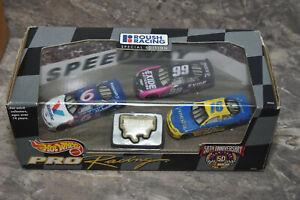Hot WHeels Pro Racing NASCAR Roush Racing Special Edition 3 car set plus badge