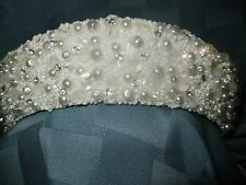 FROSTED PEARLS & RHINESTONE CROWN/TIARA.....WHITE.....BRAND NEW