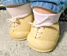 IDEAL NURSERY YELLOW SHOES w/SOCKS fit SOFT SCULPTURE DOLL, CPK, 80s TINY TEARS