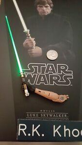 Hot Toys MMS429 Star Wars Luke Skywalker 1/6 action figure's LED lightsaber arm