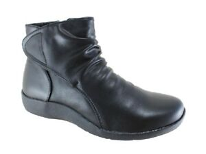 New Step on Air Saturn Soft Black Zip up Ankle Boots