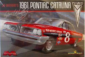 Moebius 1221 - Joe Weatherly's 1961 Pontiac Catalina -1/25 Scale Model Kit #1221