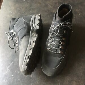 Womens hiking boots size 9