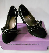 Beacon Reflections Lily Womens Size 9 BLACK  Suede Pumps Heels Shoes NOS