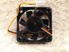 Case Fan 40mm x 40mm x 10mm 12V 0.16A 9.5 CFM 8000 RPM 3-Pin Bulk Lot of 2 +FS