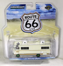 Greenlight 1/64 Scale 1973 Winnebago Chieftain Motor Home Green Wheels Chase Car