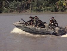 "U.S. Navy Seal Team move down Bassac River 8""x 10"" Vietnam War Photo Picture #59"