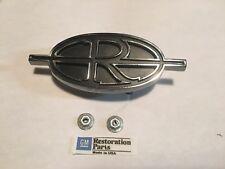 1971 1972 Buick Riviera GRILL R Emblem Ornament, 71 72. Free Shipping