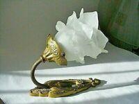 Zauberhafte Jugendstil Wandlampe Messing  Feuerverg. Glasschirm Blütenform