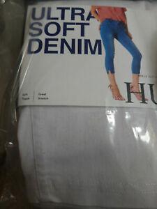 HUE Essential Denim Capri Leggings S 36-38 White New