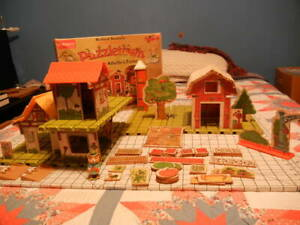 1976 Playskool Richard Scarry Puzzletown Pieces from sets B & C.