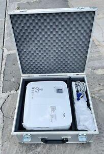 Set NEC NP 410 Professional Projektor Heimkino Beamer + Ersatzlampe + Alu Koffer