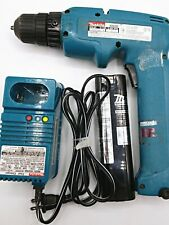 Makita 6095D DC9.6V Cordless Drill Driver w/ Batterie & Charger