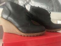 NEW in Box KICKERS Heroind WEDGE  Black LACED CUTE SHOES Ladies Size 6.0 Eur 37