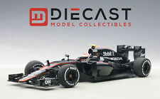 AUTOART 18122 MCLAREN MP4-30 F1 2015, BARCELONA/SPAIN, J. BUTTON #22 1:18 SCALE